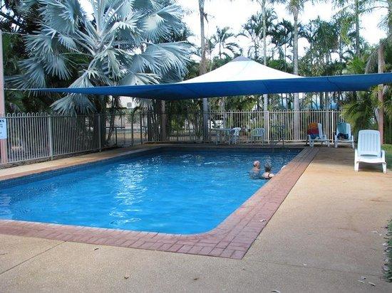 Shady Lane Tourist Park: Pool