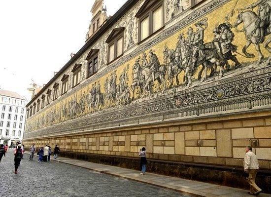 Fürstenzug: A frieze made of 25,000 Meissen porcelain tiles.