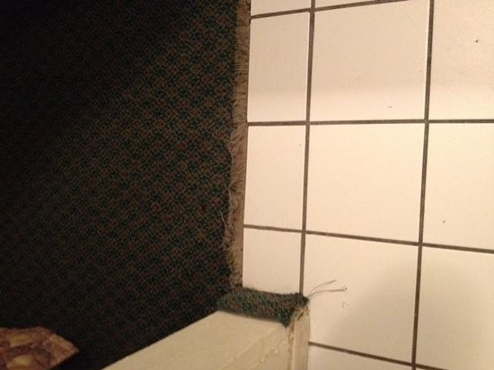 Inn of the Conchos: Carpet torn. I almost tripped twice.