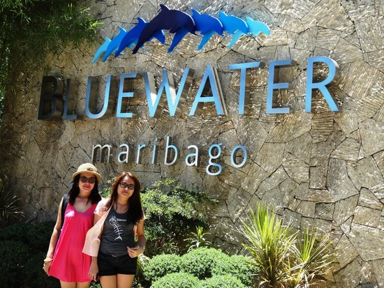 Bluewater Maribago Beach Resort : The entrance to the resort.
