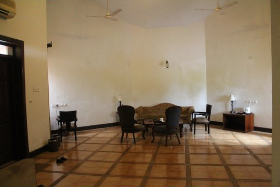 U Tropicana Alibaug : Villa - common room