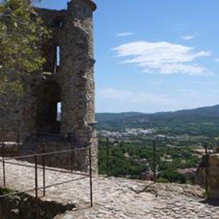 Grimaud Castle: The Castle