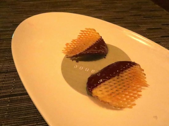 Canoe Restaurant & Bar: The very last dish, an afterthought of two potato crisps dipped in chocolate. Really?