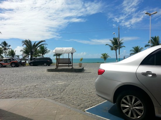 Brisa da Praia Hotel: Hotel de frente pro mar na praia de Taperapuã