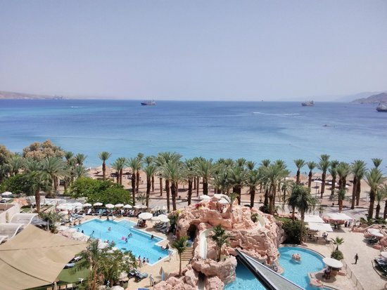 Dan Eilat : view of Red Sea and beach from room