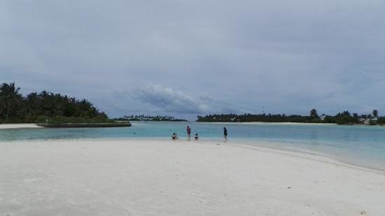 Holiday Inn Resort Kandooma Maldives: quiet, private beach