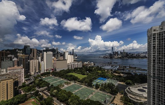 Metropark Hotel Causeway Bay Hong Kong: View from room-Victoria Park
