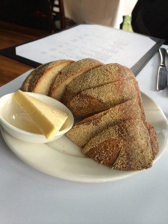 Bella Vedere Cucina: Start with bread