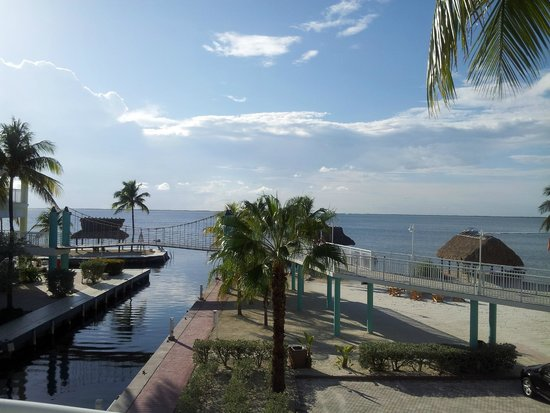 Key Largo Bay Marriott Beach Resort : balcony view of one of the several Bay & Beach areas