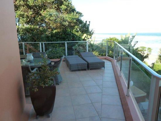 Xanadu Guest Villa: balcony
