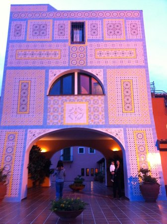 Club Hotel Torre Moresca : la torre delle sueite