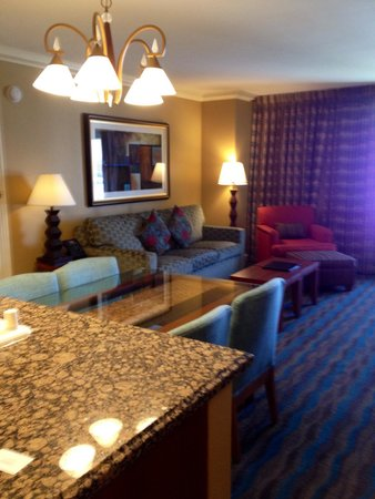 Hilton Grand Vacations on the Boulevard: One bedroom suite. Thumbs up to this place!