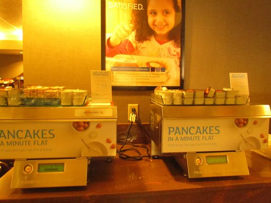Holiday Inn Express Grand Canyon: pancake maker