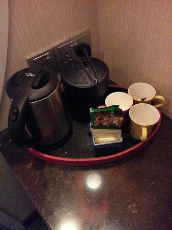 Resorts World Sentosa - Festive Hotel: Coffee Maker