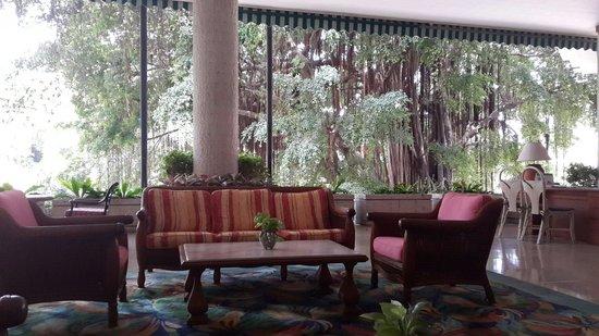 Imperial Pattaya Hotel : Холл