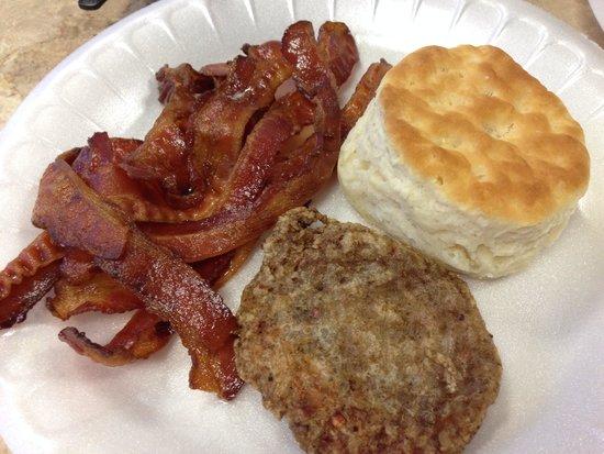 La Quinta Inn Austin North: Yummy and free breakfast!