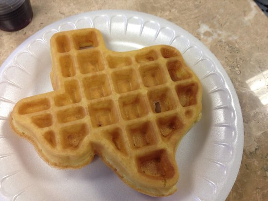 La Quinta Inn Austin North: Self-made texas shaped waffle! So fluffy and delicious! You make it yourself with the waffle mak
