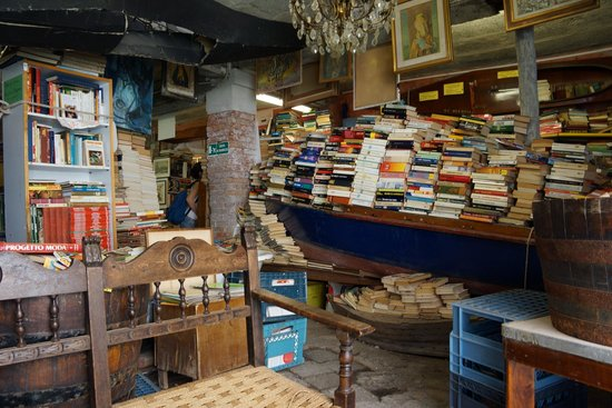 Libreria Acqua Alta: The Holy Grail