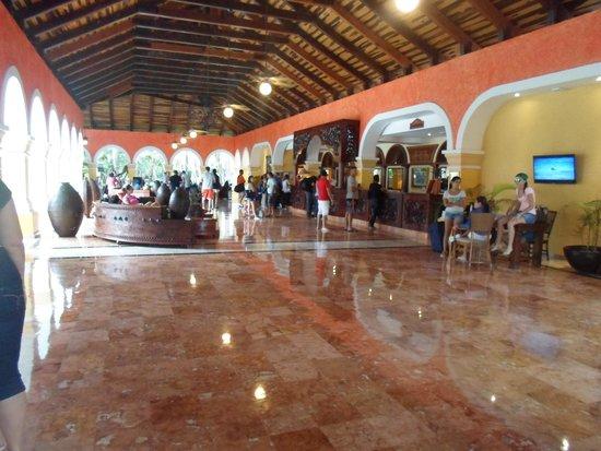 Iberostar Paraiso Beach: lobby