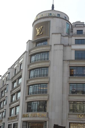 Champs-Elysees: Louis Vouitton on Champs Elysees