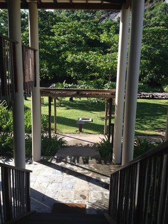 Kempinski Seychelles Resort: вид с балкона номеров