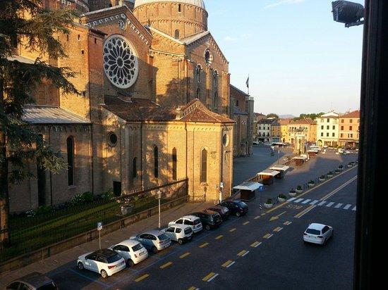 Hotel Padova Casa del Pellegrino: Una meraviglia. ........alle 07.00 del mattino,  suggestiva! !!
