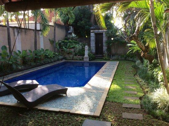 The Club Villas: Deluxe Villa #10 - pool & garden