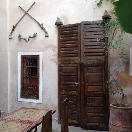 Riad Sidi Mimoune : view of my bedroom door and only window-ground floor