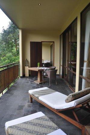 Komaneka at Bisma: Rooms connecting at the big balcony