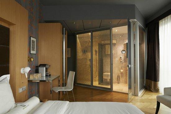 Amadi Park Hotel: Junior Suite Room