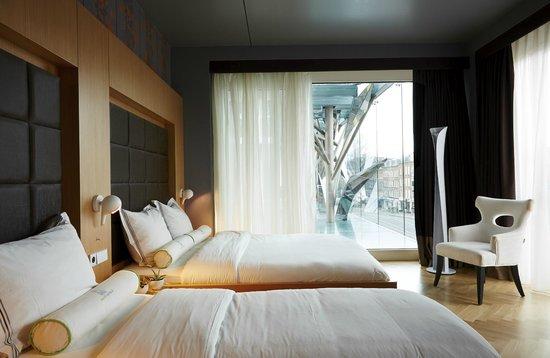 Amadi Park Hotel : Triple Room