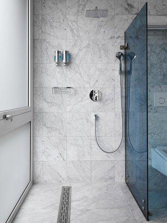 Amadi Park Hotel: Bathroom3