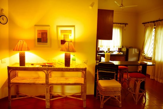 Casa Mia, Goa: Living room and Kitchen