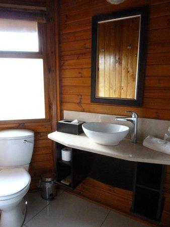 Garden Route Game Lodge: bathroom