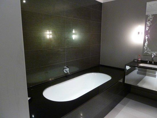 Queen Victoria Hotel : bathroom