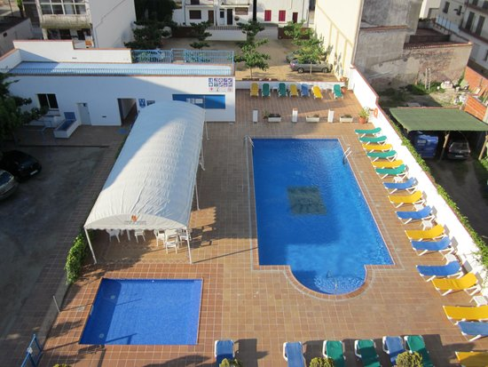 Hotel Santa Anna: View from top floor over pool