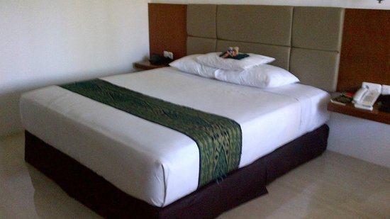 Bukit Senggigi Hotel : New Bed