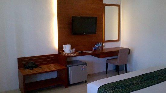 Bukit Senggigi Hotel : LCD TV
