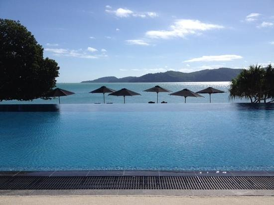 Qualia Resort: Pebble Beach pool area