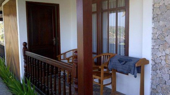 Bukit Senggigi Hotel : Balcony
