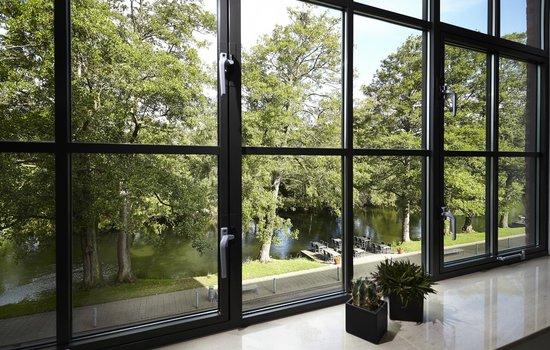 Radisson Blu Papirfabrikken Hotel, Silkeborg : Udsigt ud mod Gudenåen