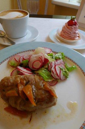 Poniu Laime Cafe: ハンバーグが美味しい