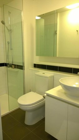 Oaks On William: Bathroom