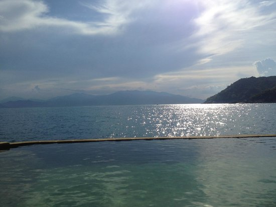 Six Senses Ninh Van Bay : View from Water Pool Villa of bay and in-villa pool