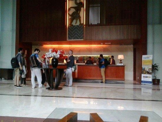 Jambuluwuk Malioboro : Lobby Hotel