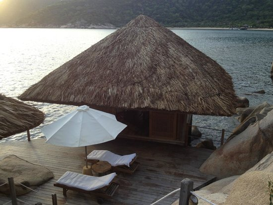 Six Senses Ninh Van Bay : The seperate lounge room of the Water Pool Villa