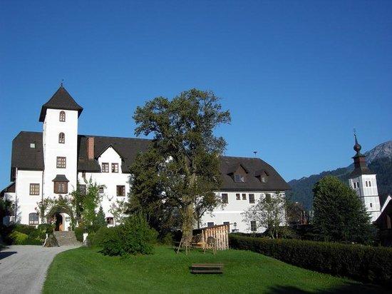 Hotel Schloss Thannegg: Schloss Thannegg im Sommer