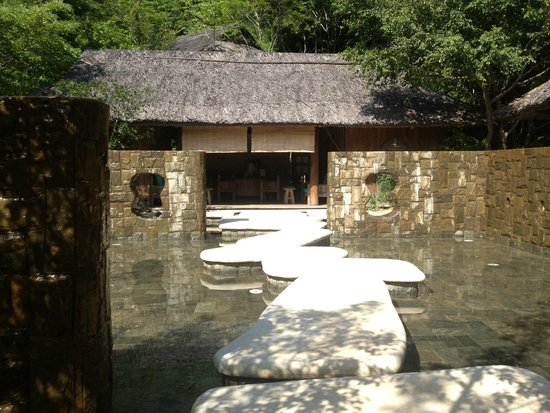 Six Senses Ninh Van Bay : The entrance to the spa