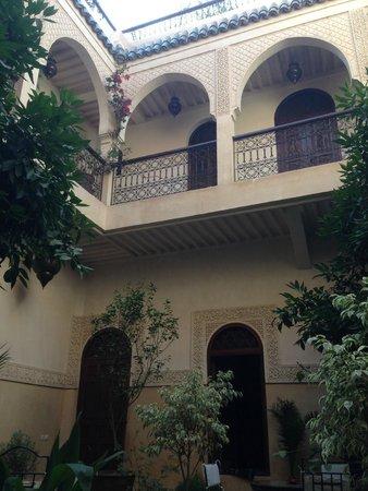Riad Massiba: Vista dall'entrata