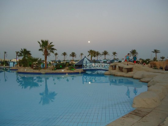 SUNRISE Select Royal Makadi Resort: pool